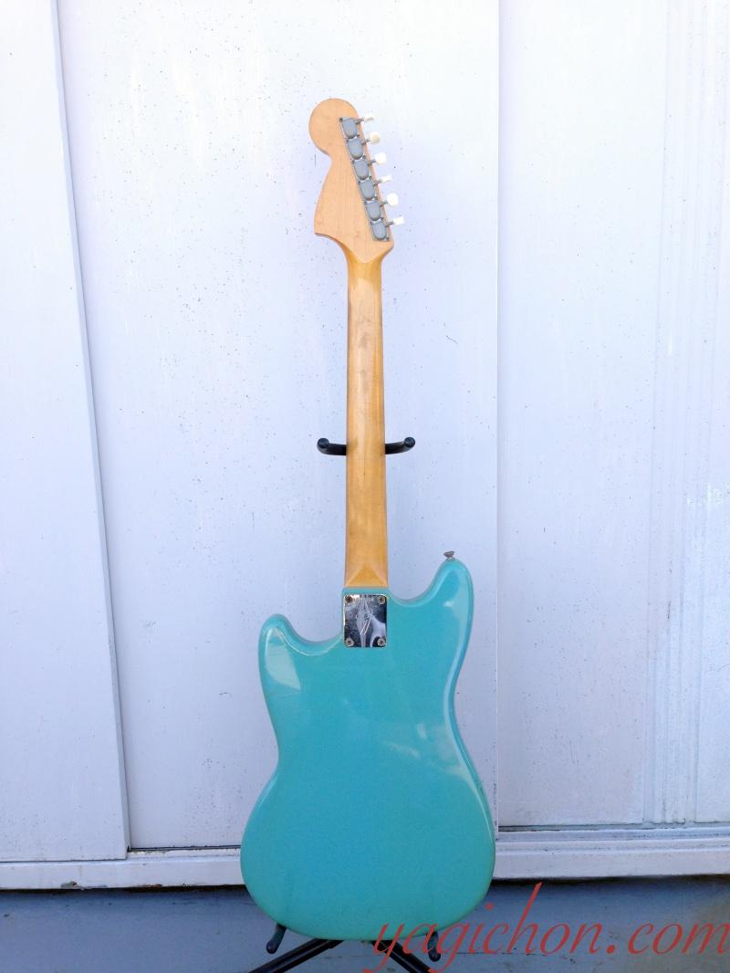 Fender Mustang back